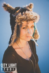 http://photos.modelmayhem.com/photos/121108/16/509c55324bd7b_m.jpg