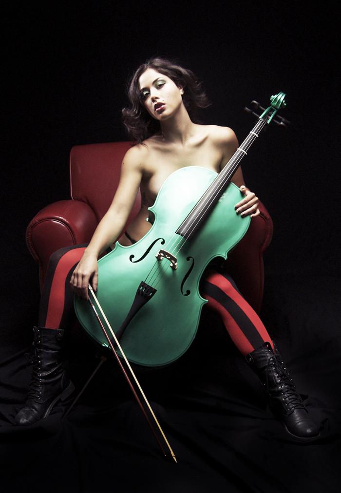 Nov 10, 2012 Yes I play the green cello :)
