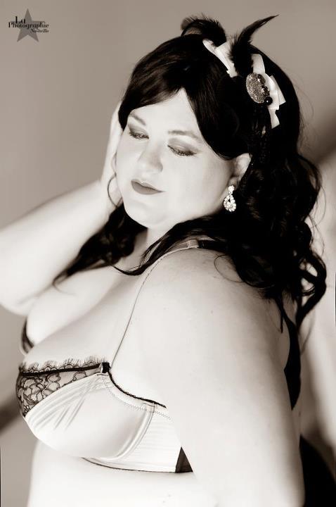Female model photo shoot of Nipsy Tussle