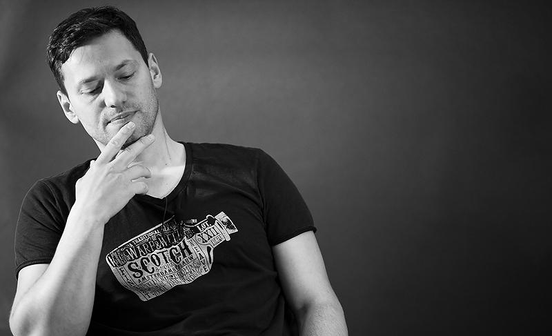 Male model photo shoot of PhotoRobi