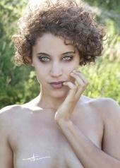 http://photos.modelmayhem.com/photos/121114/15/50a42f77b08c1_m.jpg
