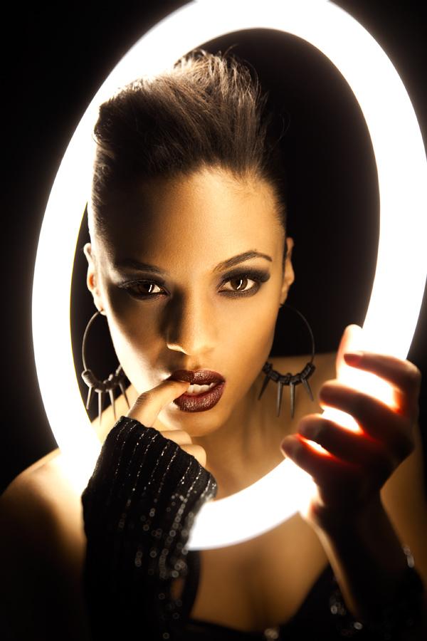 http://photos.modelmayhem.com/photos/121115/23/50a5e8242e428.jpg