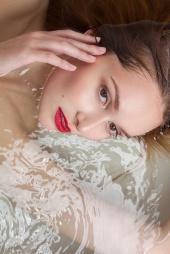 https://photos.modelmayhem.com/photos/121120/20/50ac5d4476c8b_m.jpg