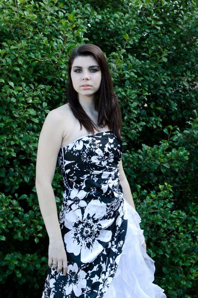 Female model photo shoot of Brooke Elizabeth1