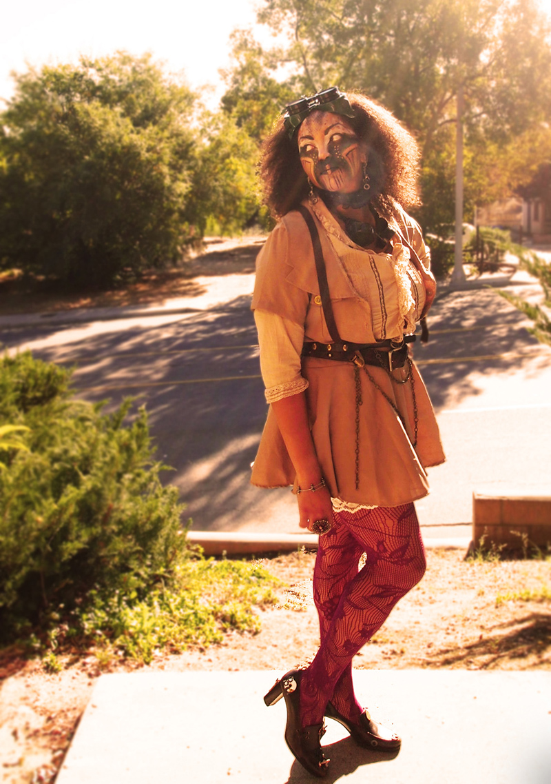 Female model photo shoot of Syra Cyanide