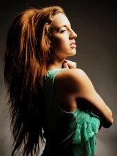 http://photos.modelmayhem.com/photos/121125/21/50b2f7b890182_m.jpg