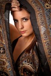 http://photos.modelmayhem.com/photos/121125/21/50b2fb451b90e_m.jpg