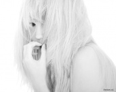 http://photos.modelmayhem.com/photos/121127/12/50b521e331960_m.jpg