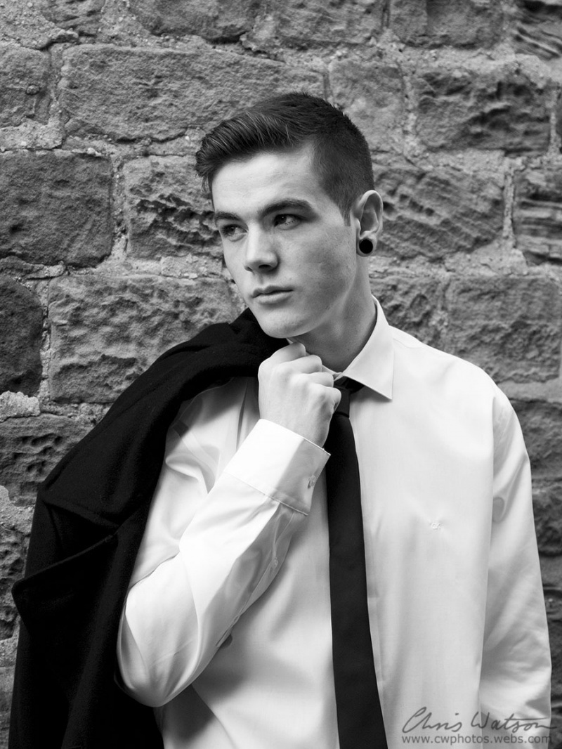 Male model photo shoot of chris075