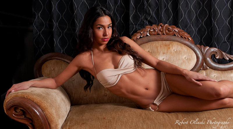 http://photos.modelmayhem.com/photos/121127/14/50b53b9aab557.jpg