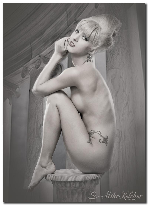 http://photos.modelmayhem.com/photos/121128/13/50b680453b50d.jpg