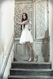 http://photos.modelmayhem.com/photos/121129/10/50b7a9d2c40e4_m.jpg