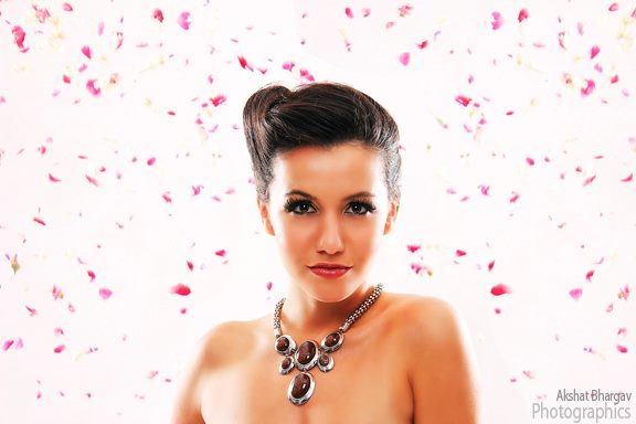 Female model photo shoot of Rencca