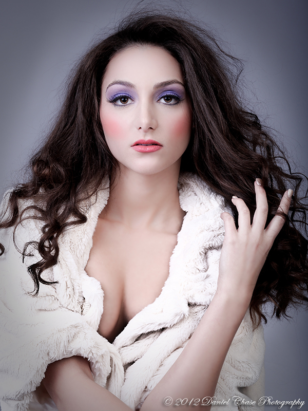 http://photos.modelmayhem.com/photos/121201/19/50baceba6680a.jpg