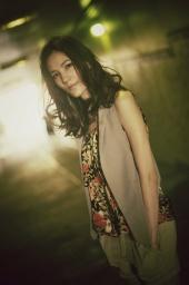 http://photos.modelmayhem.com/photos/121202/00/50bb13b5398ed_m.jpg