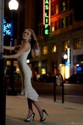 http://photos.modelmayhem.com/photos/121203/00/50bc5d52b6b96_m.jpg