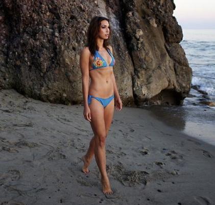 Female model photo shoot of Amy McRoberts