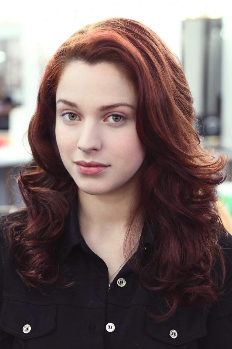 Female model photo shoot of Emily Fox Makeup and Ash Noel