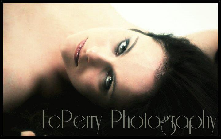 http://photos.modelmayhem.com/photos/121207/00/50c1ac4d83c60.jpg
