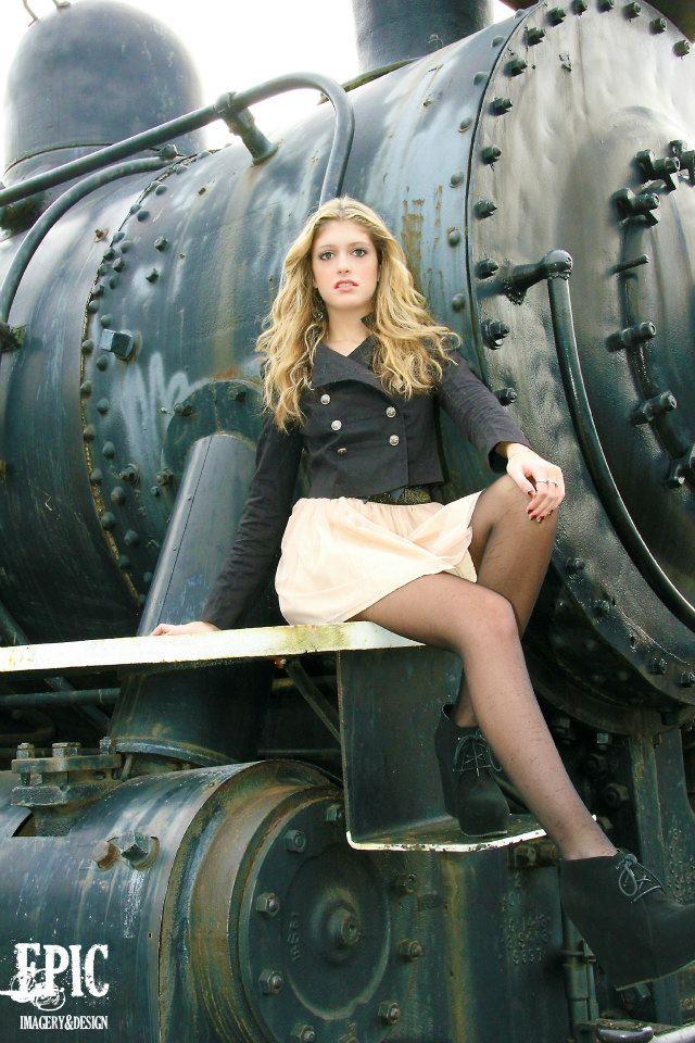 Female model photo shoot of Alyssa Finn