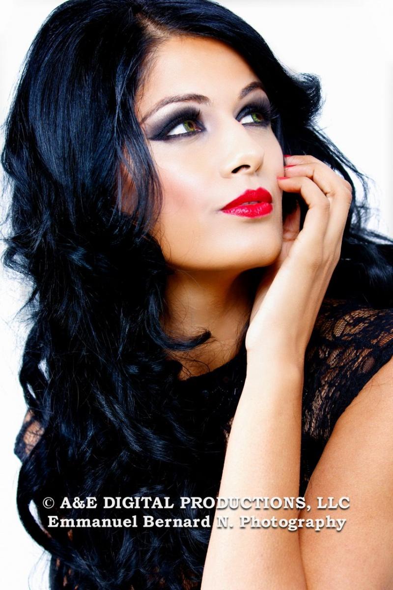 http://photos.modelmayhem.com/photos/121210/00/50c5a142ad836.jpg