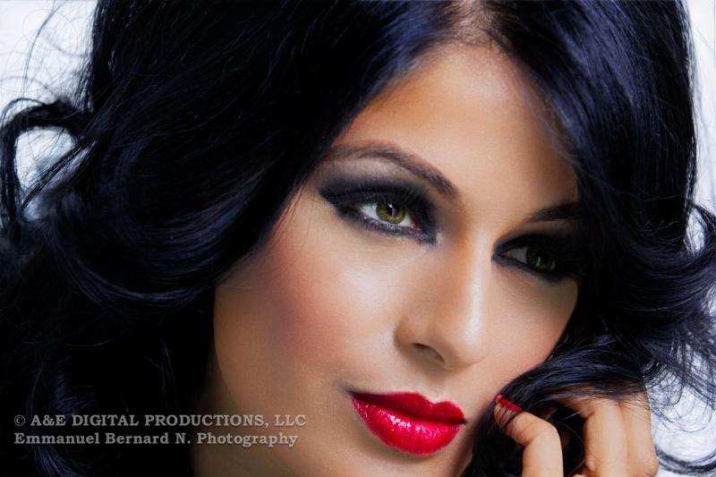 http://photos.modelmayhem.com/photos/121210/01/50c5a6669c60c.jpg