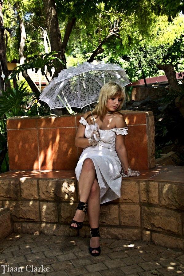 Female model photo shoot of CherryVonDagger