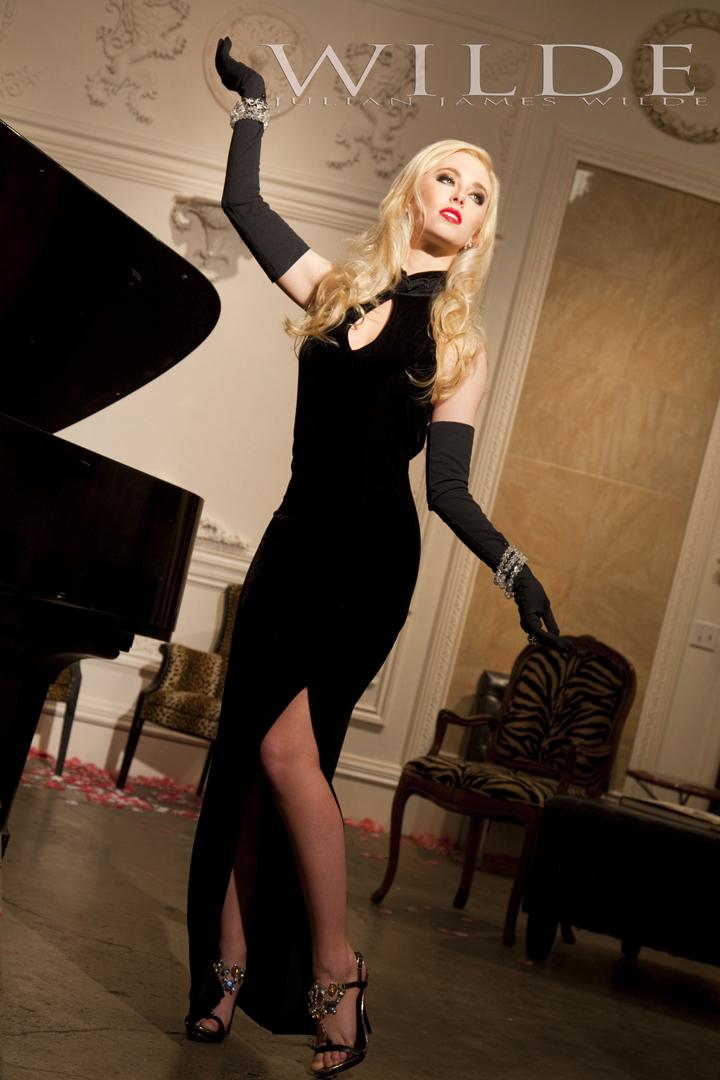 http://photos.modelmayhem.com/photos/121211/14/50c7b2e5dfa27.jpg