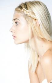 http://photos.modelmayhem.com/photos/121213/12/50ca380e5f838_m.jpg