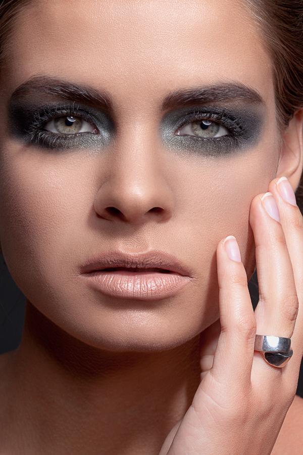 http://photos.modelmayhem.com/photos/121214/03/50cb12f18e886.jpg