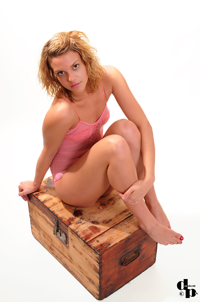 http://photos.modelmayhem.com/photos/121217/13/50cf940878591.jpg