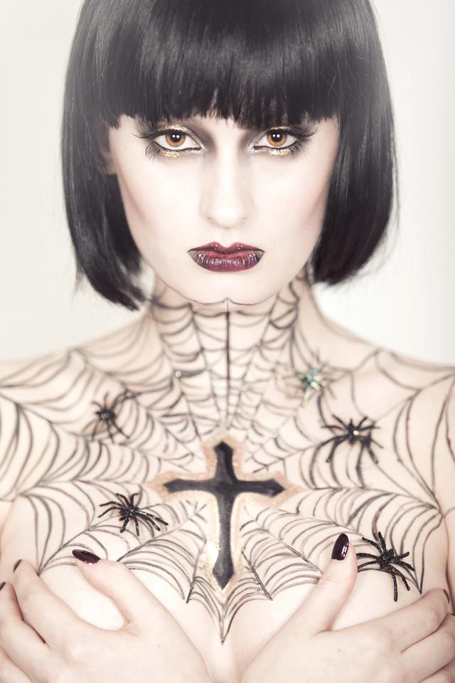 Female model photo shoot of Saz1