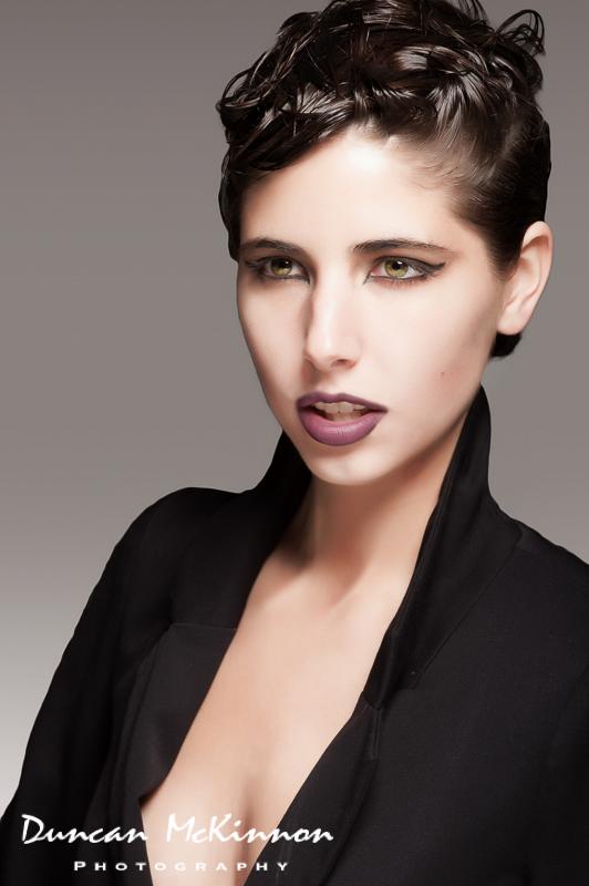 http://photos.modelmayhem.com/photos/121220/12/50d37054b259d.jpg