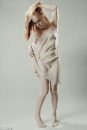 http://photos.modelmayhem.com/photos/121223/13/50d77d56b0c82_m.jpg