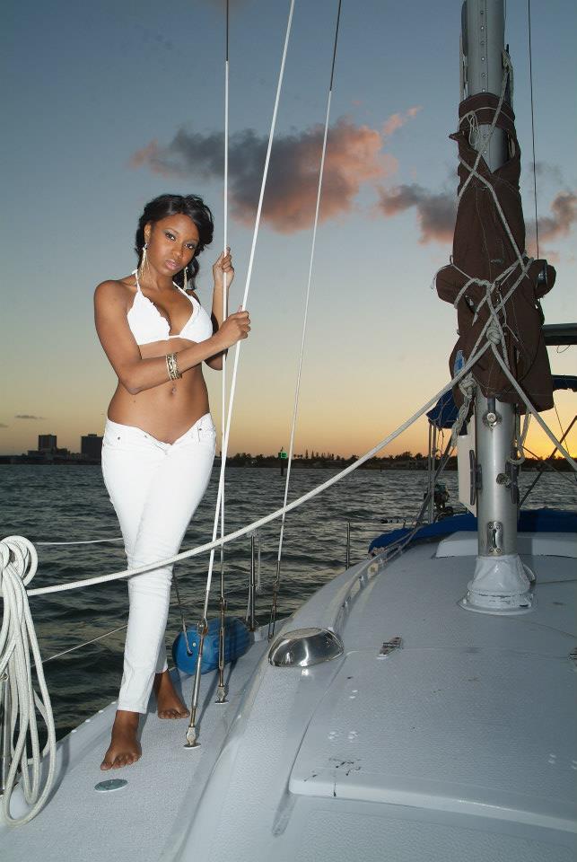 Female model photo shoot of sheana dagrin