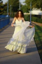 http://photos.modelmayhem.com/photos/121226/17/50dba54059858_m.jpg