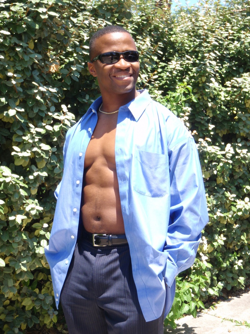 Male model photo shoot of Muscle-D
