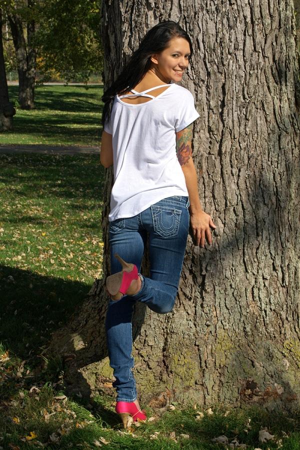 Female model photo shoot of Percillia Rosa