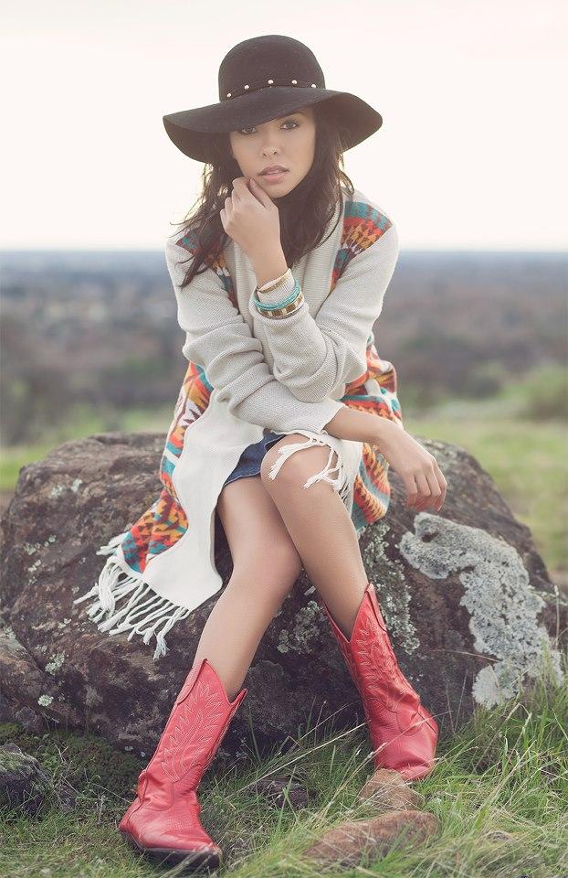 http://photos.modelmayhem.com/photos/121230/14/50e0bb409a183.jpg