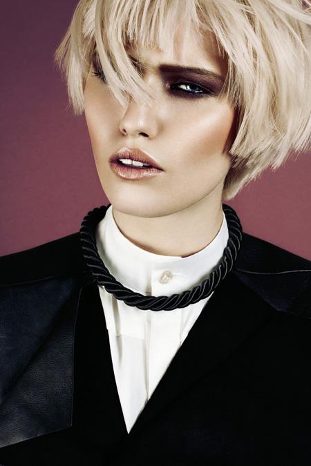 Female model photo shoot of Jana van de Boldt