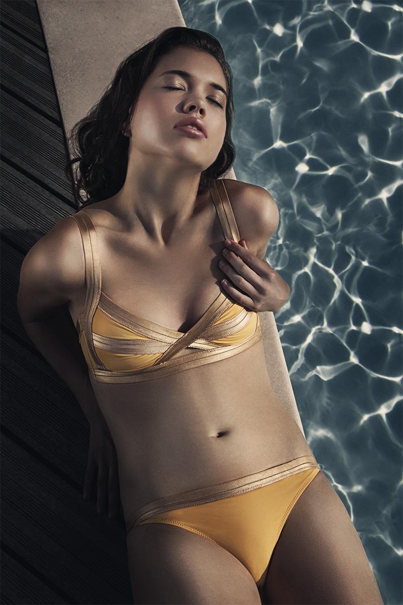 http://photos.modelmayhem.com/photos/130104/12/50e73d75a7fe2.jpg