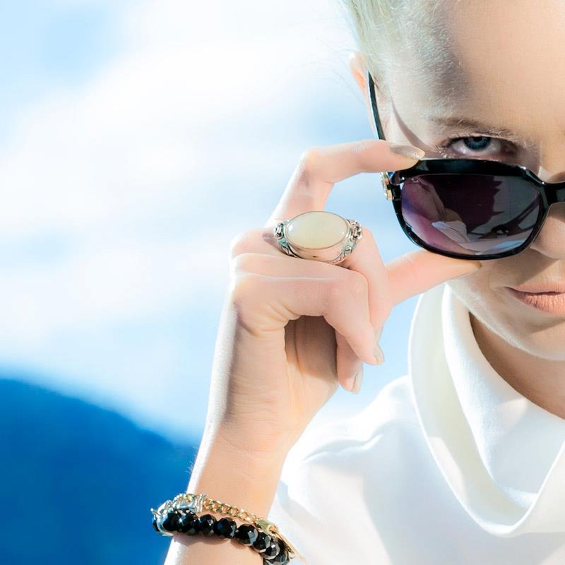 Female model photo shoot of Serena Hubert MUA