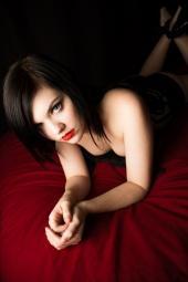 http://photos.modelmayhem.com/photos/130105/09/50e869b326994_m.jpg