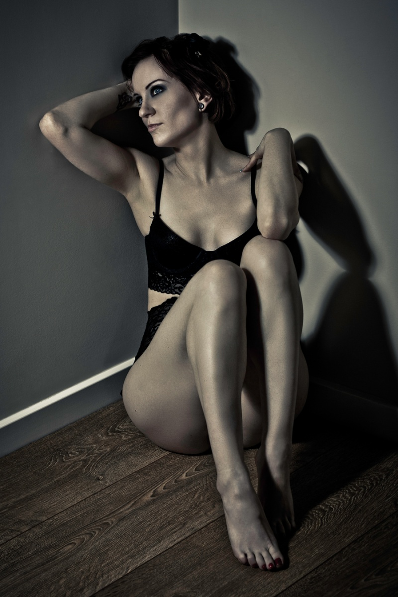 Female model photo shoot of Cherrybonbon