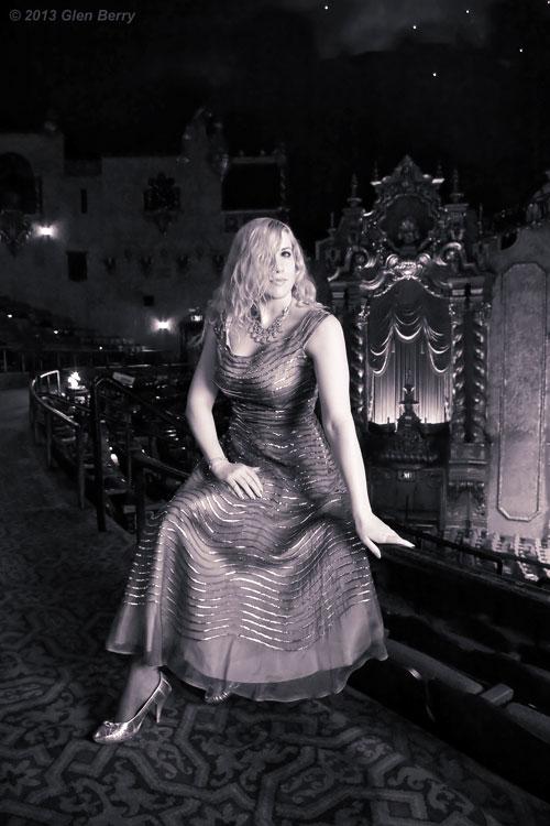 https://photos.modelmayhem.com/photos/130109/10/50edbbe423951.jpg