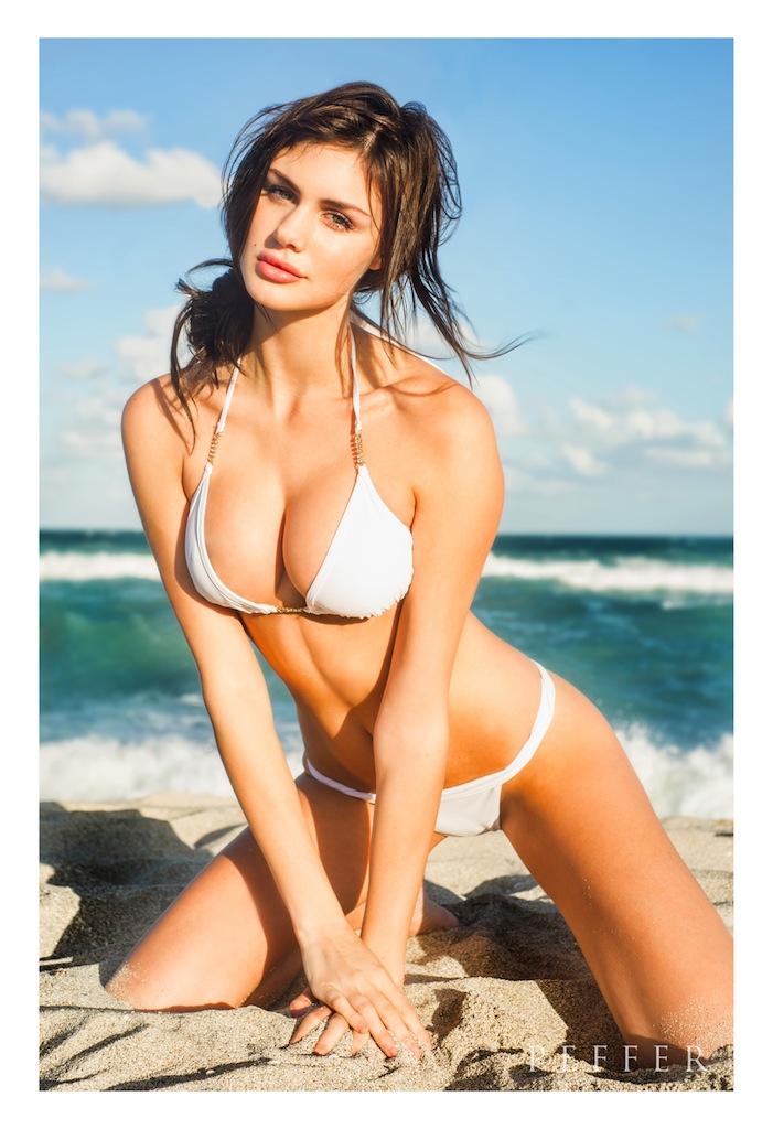 https://photos.modelmayhem.com/photos/130109/13/50eddbffba885.jpg