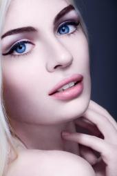 http://photos.modelmayhem.com/photos/130111/11/50f06b22aee05_m.jpg