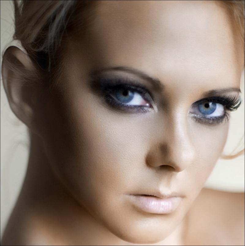 https://photos.modelmayhem.com/photos/130112/18/50f219bfee802.jpg