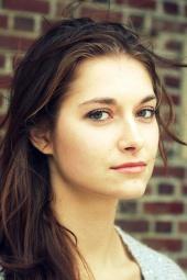 http://photos.modelmayhem.com/photos/130113/19/50f378ed01873_m.jpg