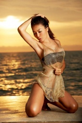 https://photos.modelmayhem.com/photos/130114/10/50f451de14971_m.jpg